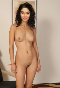 Asin Nude Showing her Boobs n Pussy to Insert Dick [Fake]