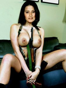 Kratika Sengar Nude Showing her Big Boobs n Shaved Pussy [Fake]